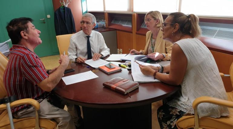 Reunión en la Consejería de educación