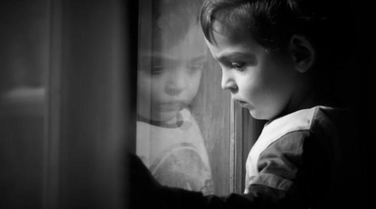 El maltrato infantil deja huella en el cerebro
